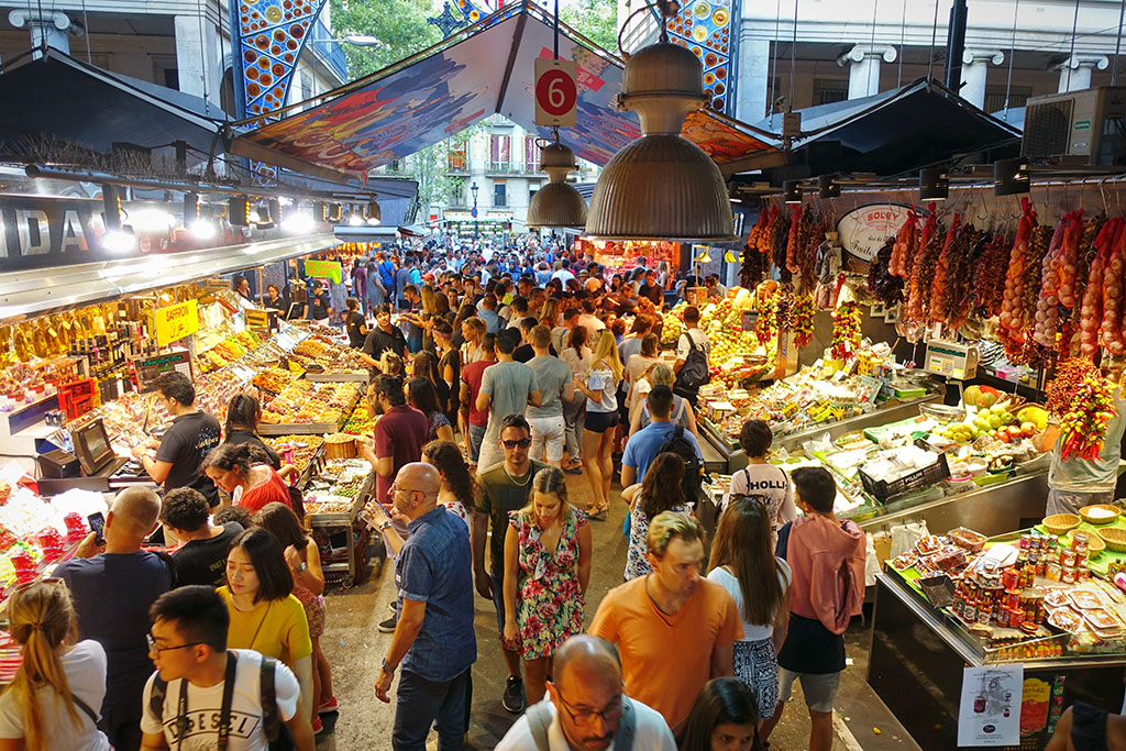 Tourists in Boqueria market, Barcelona