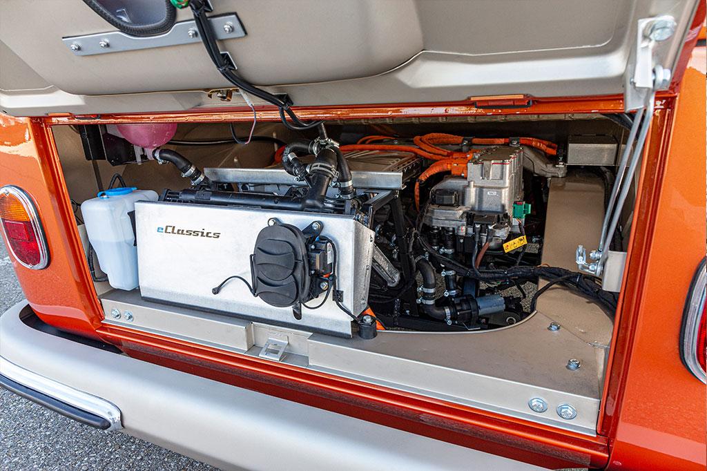 VW Bulli inside tech