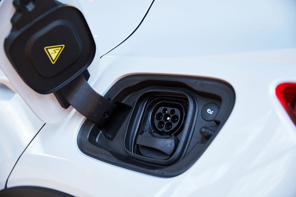 264258 Volvo Cars XC40 Recharge details