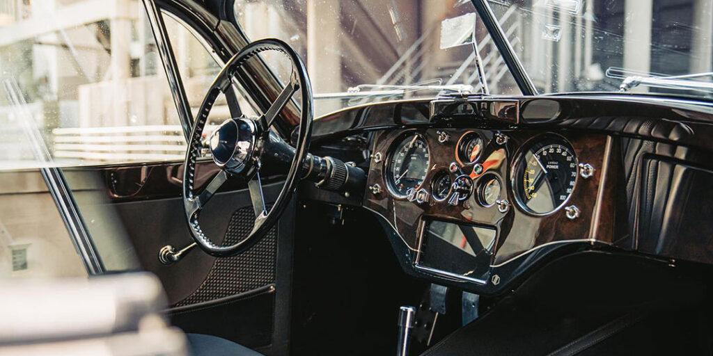 Lunaz XK120 Dashboard 2.1