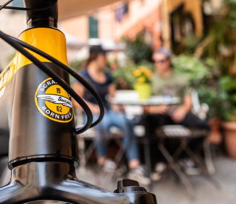 Ducatie e-Scrambler up close