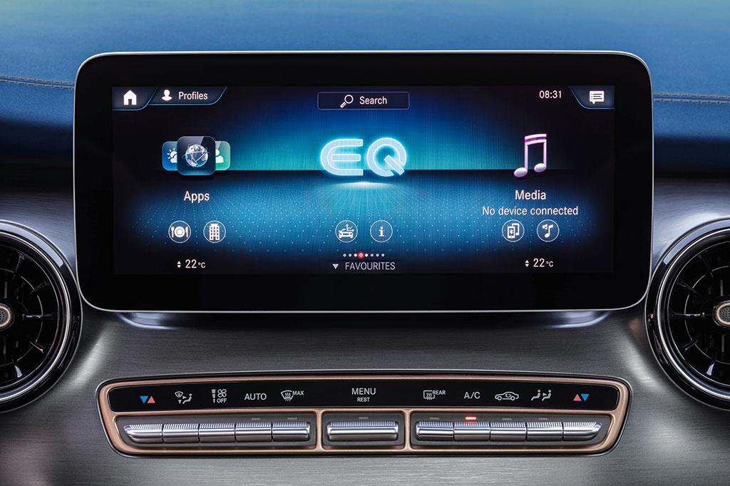 Mercedes Benz EQV screen