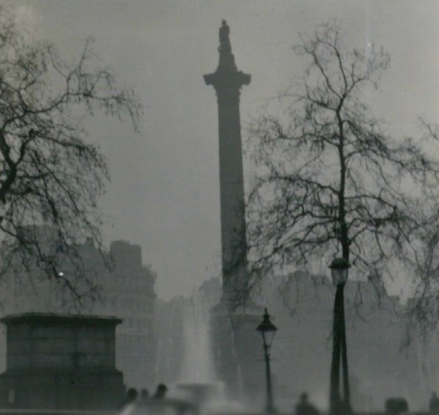 Nelsons Column during the Great Smog of 1952 Photo credit NT Stobbs Geograph project