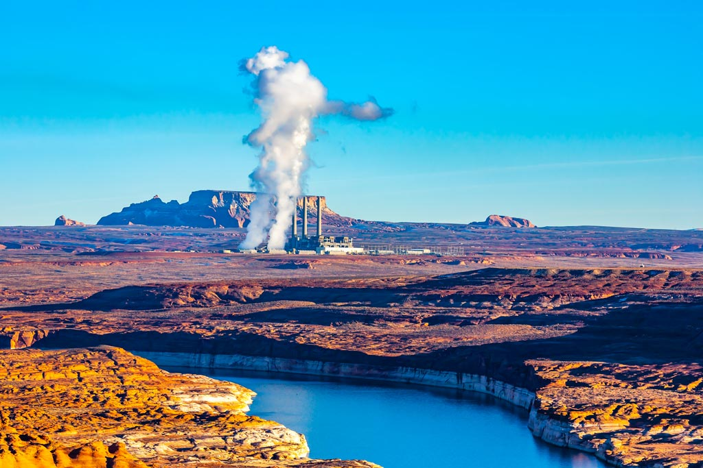 Salt-River-Project-Navajo-Generating-Station-Coal-fired-power-plant-Arizona-USA