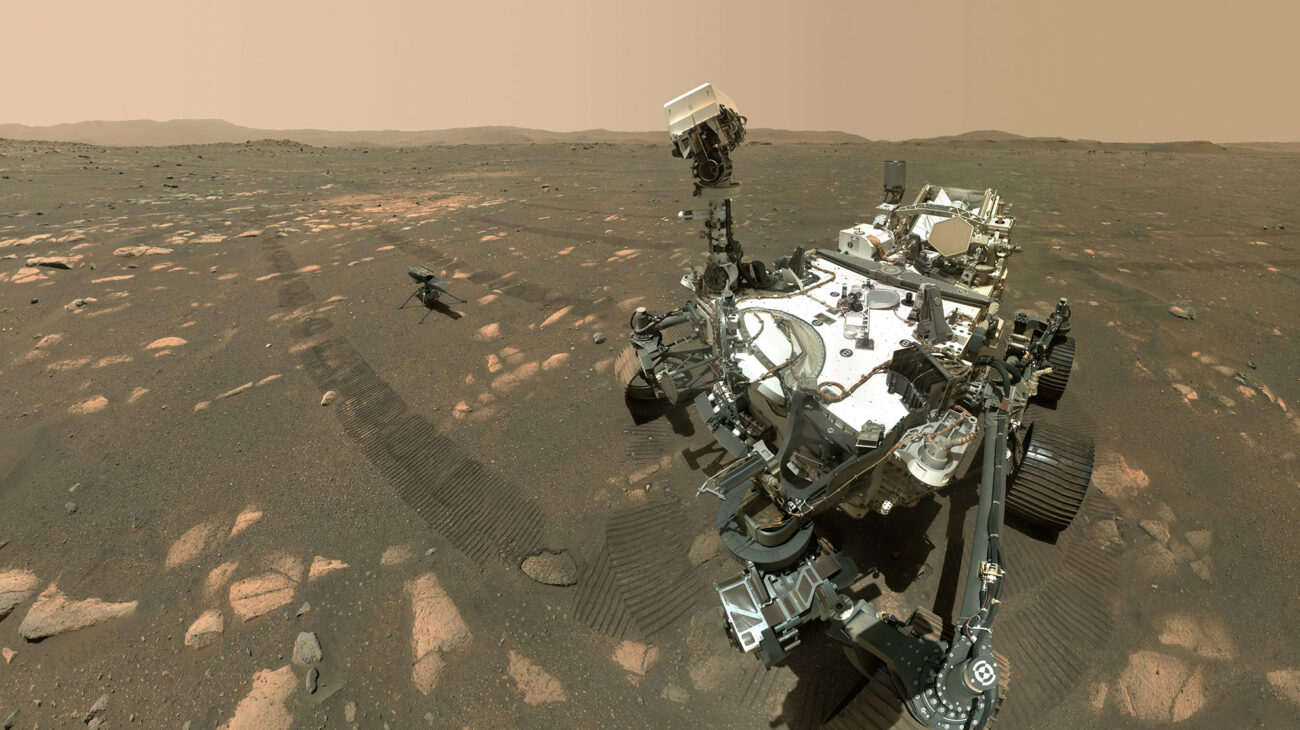 Perseverance snaps a selfie with Ingenuity on Mars