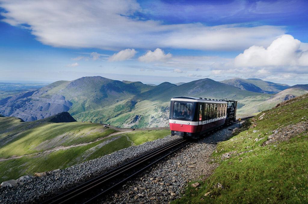 Volta Snowdon Train